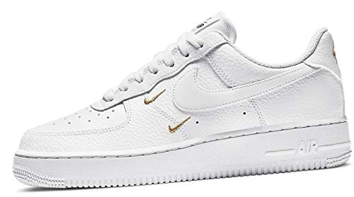 Nike Damen WMNS AIR Force 1 '07 ESS Basketballschuh, Weiß MTLC Gold Black, 36.5 EU