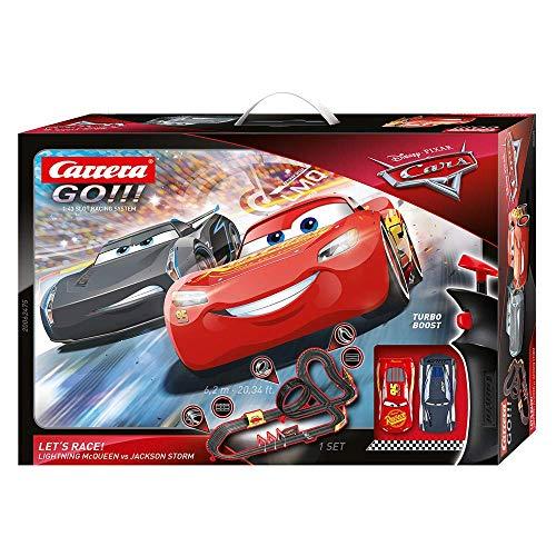 Carrera GO!!! Disney·Pixar Cars - Let's Race! – Rennbahn für bis zu 2 Spieler – Mit 2 fernsteuerbaren...