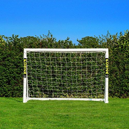 FORZA Fußballtor mit einem Klicksystem – das Fußball-Tor kann das ganze Jahr über bei jedem Wetter...
